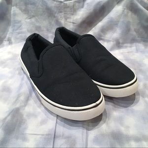 SOLEMATES slip-on black canvas sneakers
